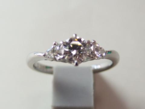 ダイヤモンドを購入する時はどこにこだわるのか?